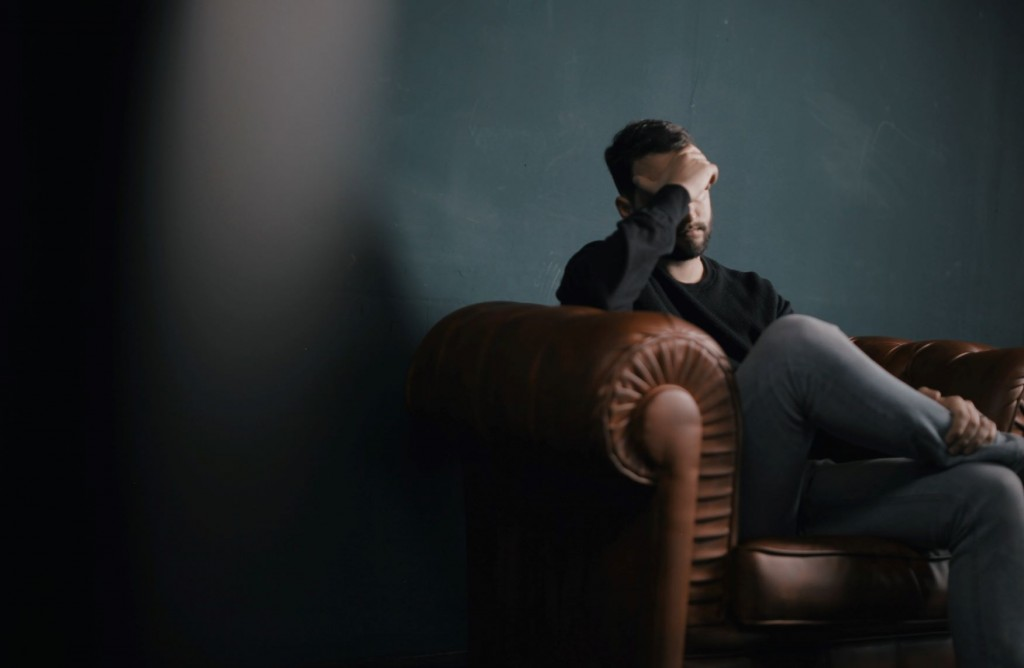 4 Tips for Talking to Someone Who is Feeling Distressed